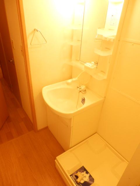 リヴェールあけぼの 201号室のトイレ