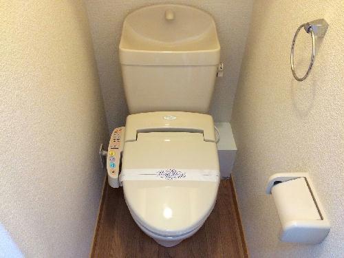 レオパレス里 301号室のトイレ