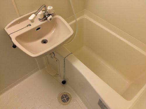 レオパレス里 301号室の風呂