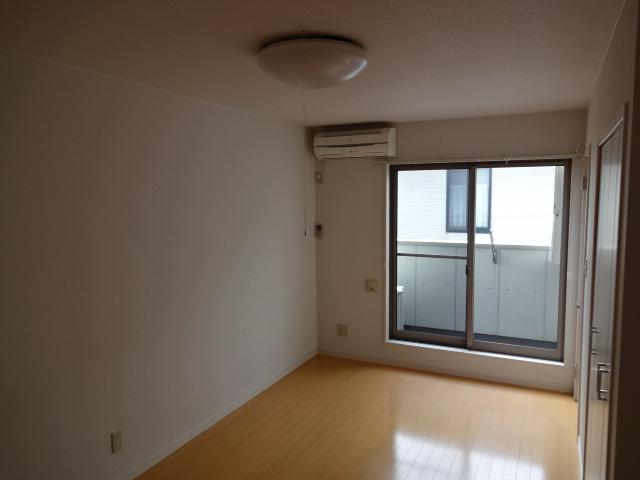 SUNCITY浜松駅南 202号室のリビング