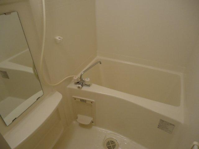 ヴァンベール 102号室の風呂