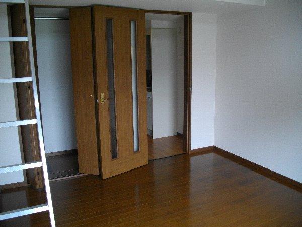 ブランドールJ 201号室のベッドルーム