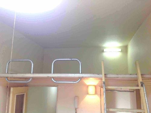 レオパレス新津町 105号室のリビング