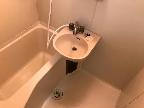 レオパレス新津町 105号室の風呂