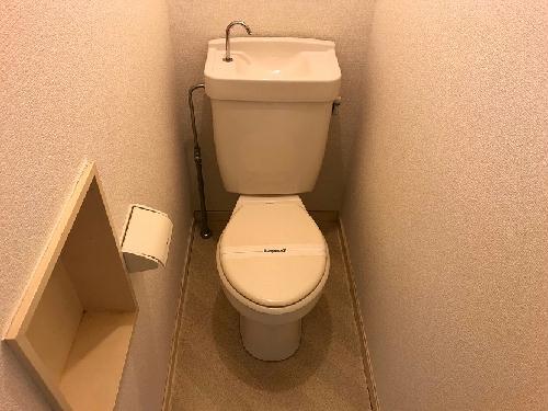 レオパレス新津町 105号室のトイレ