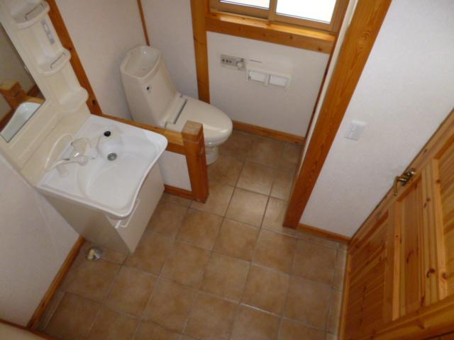 大西借家 中棟のトイレ