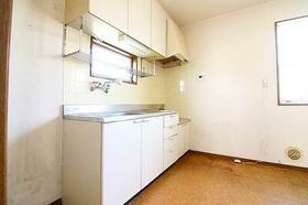 ファミリープラザF 202号室のキッチン
