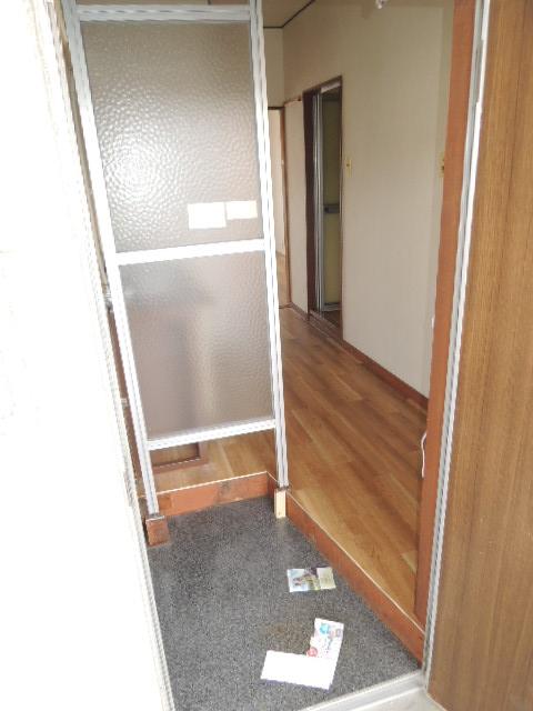 カワイハイツ 305号室の玄関