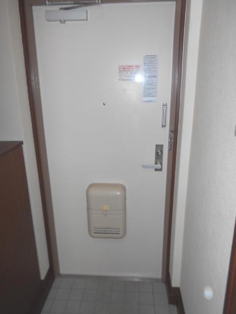 エピセア 105号室の玄関
