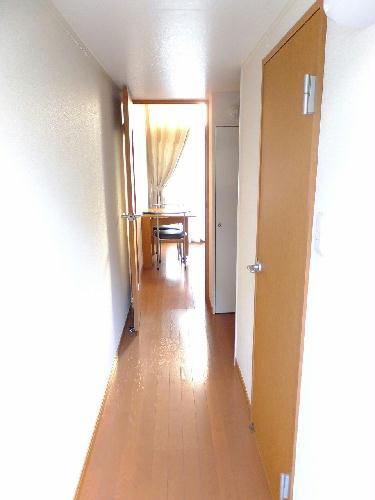 レオパレスユズ 104号室の玄関