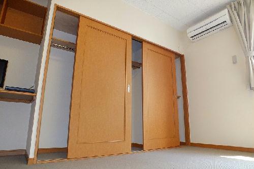 レオパレスMercury 203号室の収納