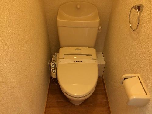 レオパレスサザンクロス海老塚 111号室のトイレ