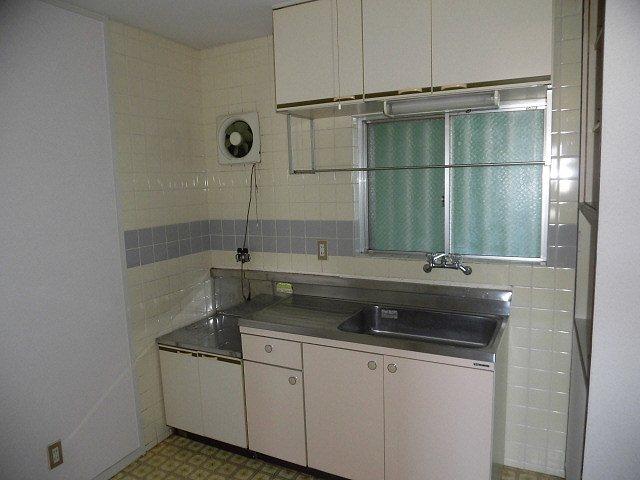 アーバンフジミ 302号室のキッチン