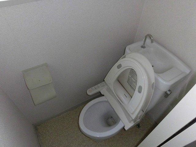 アーバンフジミ 302号室のトイレ