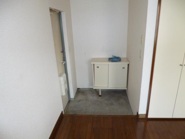 コーポ神田 201号室の玄関