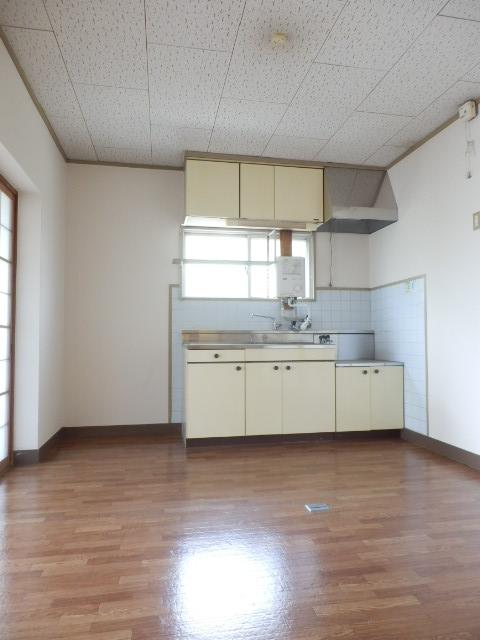コーポ竹山A棟 301号室のキッチン