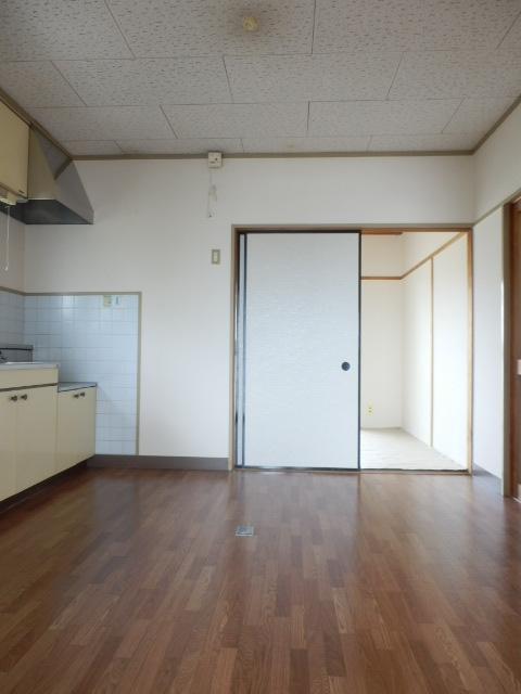 コーポ竹山A棟 301号室のリビング
