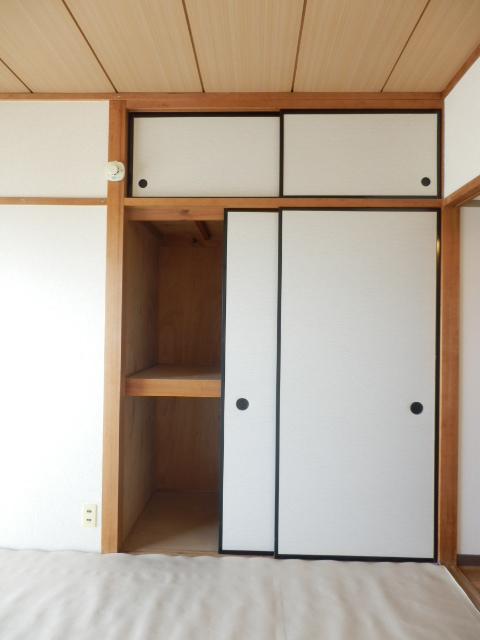 コーポ竹山A棟 301号室の収納
