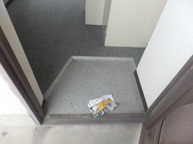 サンセット八事 605号室の玄関