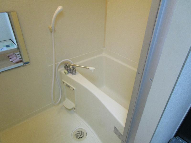 ロイヤルロード 2B号室の風呂