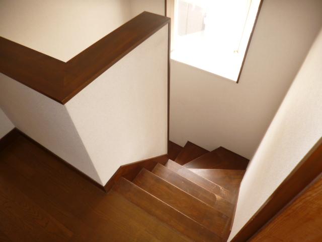 鴨江住宅の玄関
