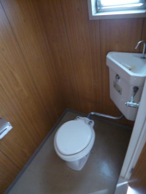 鳥居アパート E号室のトイレ