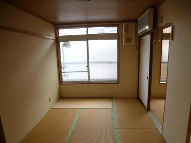 鳥居アパート E号室のベッドルーム
