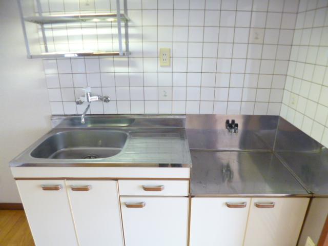 ドリームハイツカワセⅠ 202号室のキッチン