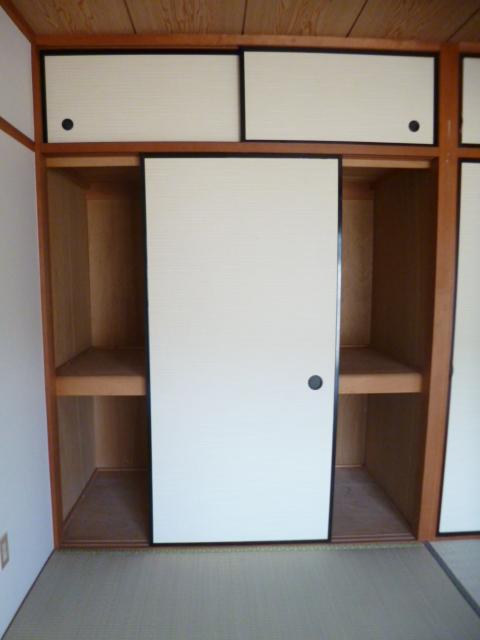 ドリームハイツカワセⅠ 202号室の収納