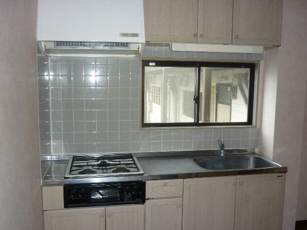 クレセントマンション 201号室のキッチン