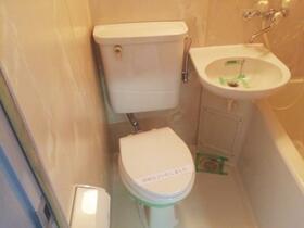 プレスイン新瑞 004C号室のトイレ