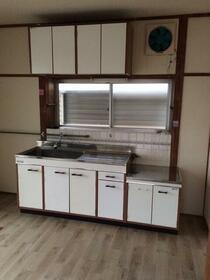 四街道鈴木店舗 202号室のキッチン