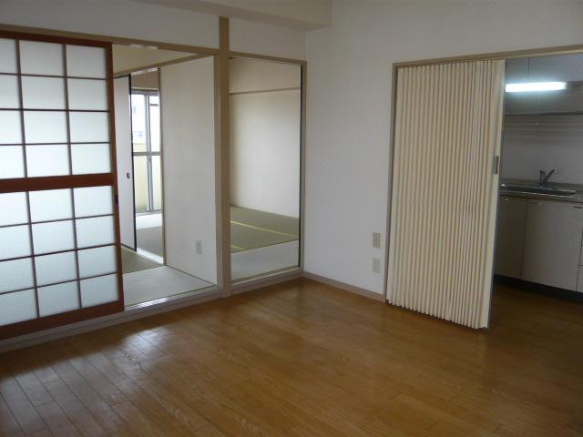 丸二サンハイツ 206号室のキッチン