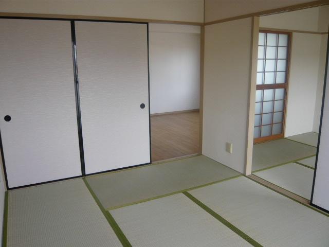 丸二サンハイツ 206号室のベッドルーム