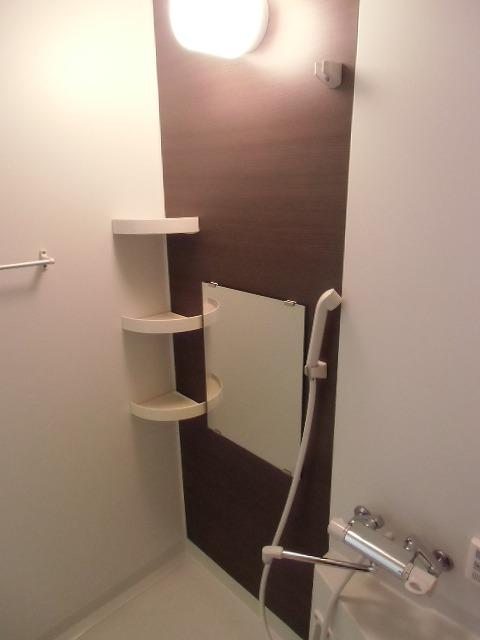 一ツ木ハイツ安井Ⅱ 203号室の風呂