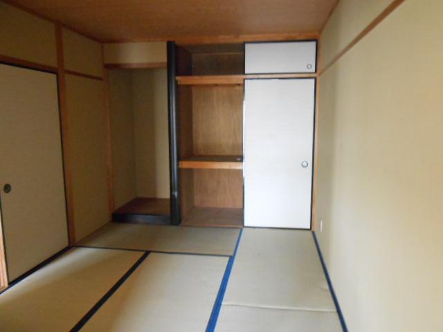 ラカーサ桃山 302号室の居室