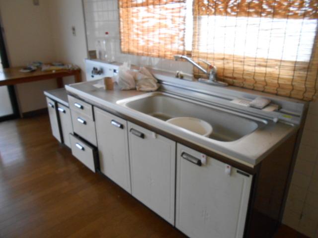 ラカーサ桃山 302号室のキッチン