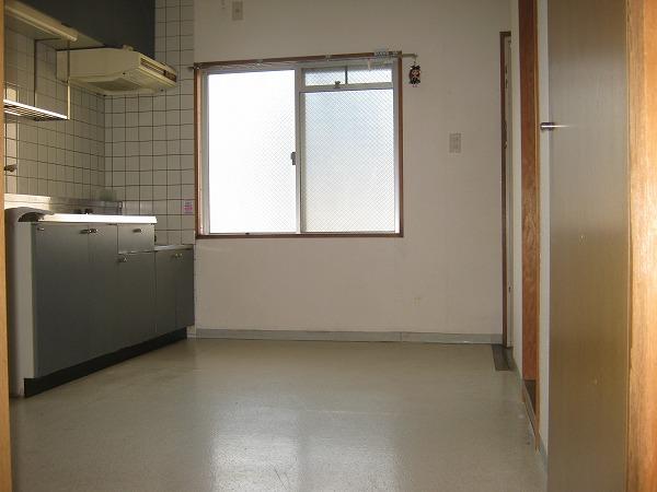 東新ハイツ 301号室のリビング