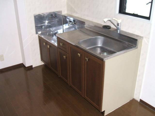 セジュール・ヴィルA 101号室のキッチン