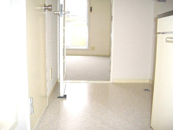 ハウスウステリアA 205号室のリビング