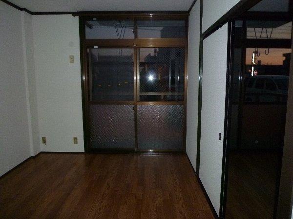 福田マンション 303号室のリビング