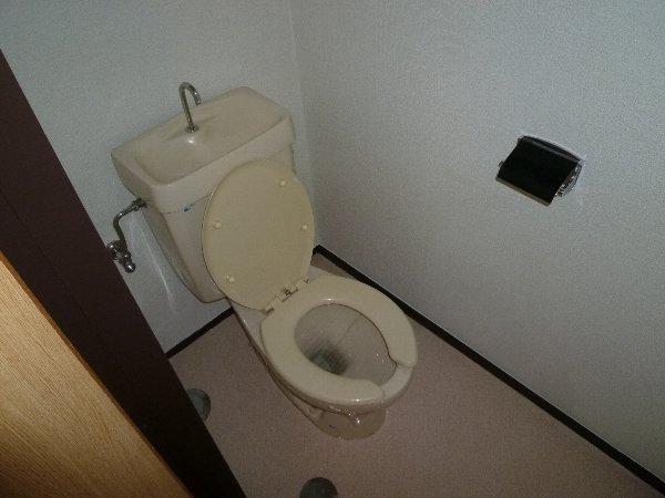 福田マンション 303号室のトイレ