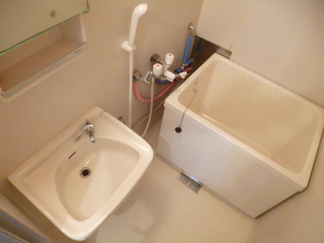 21センチュリーハウス1棟 205号室の風呂