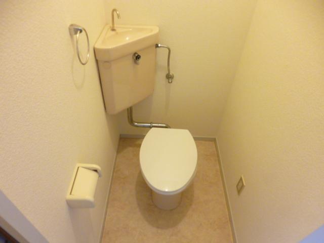 21センチュリーハウス1棟 205号室のトイレ