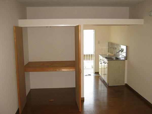 ラ・プリエール 202号室の収納