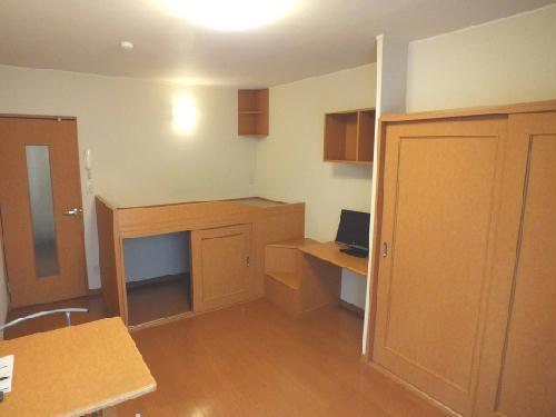 レオパレスサンサーラ 115号室の居室