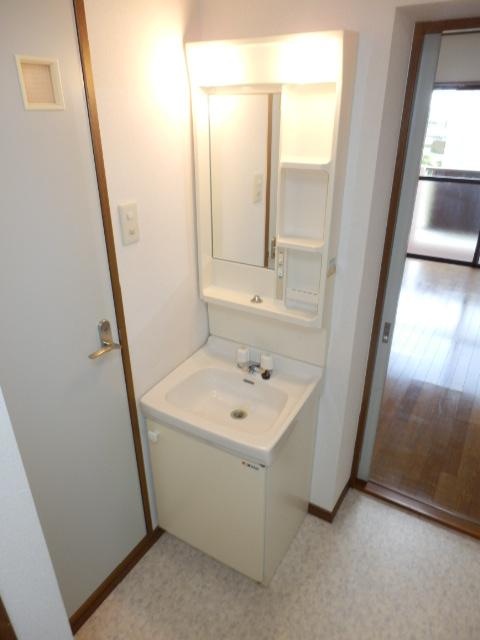 メルヴェーユA 303号室の洗面所