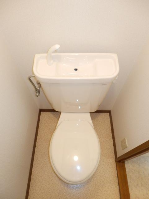 メルヴェーユA 303号室のトイレ