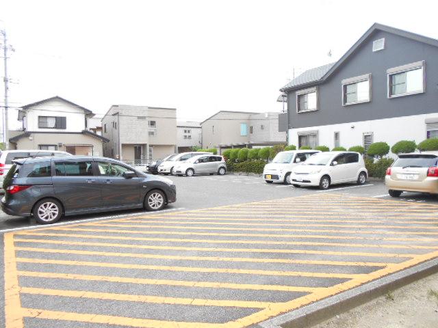 サクセスすずき 304号室の駐車場