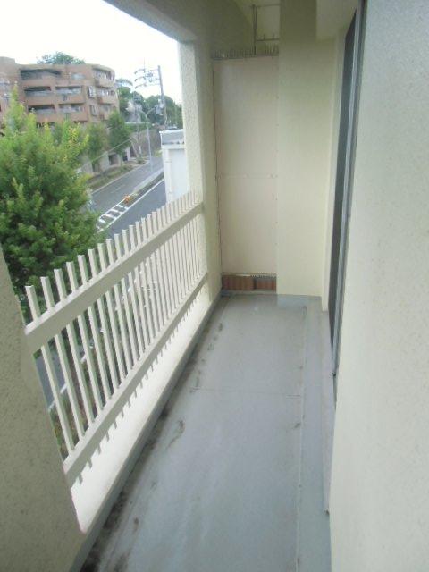 エビラヤビル 406号室のバルコニー